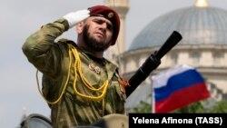 Военный парад, посвященный 74-й годовщине Победы, в Грозном