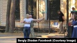 Фото из facebook Сергея Жадана: концерт в прифронтовой зоне