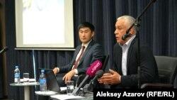 Almaty Mountain Resort компаниясы басшысы Наиль Нуров (оң жақта) пен Алматы әкімдігі туризм және сыртқы байланыс басқармасы басшысы Ерлан Жайлаубай. Алматы, 31 мамыр 2018 жыл.