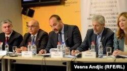 Sa konferencije za novinare o položaju Roma, 8. april 2014, foto: Vesna Anđić