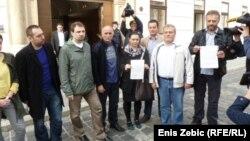 Sindikalisti i aktivisti uručuju Vladi zahtjev za objavom dokumentacije o koncesiji za auto ceste