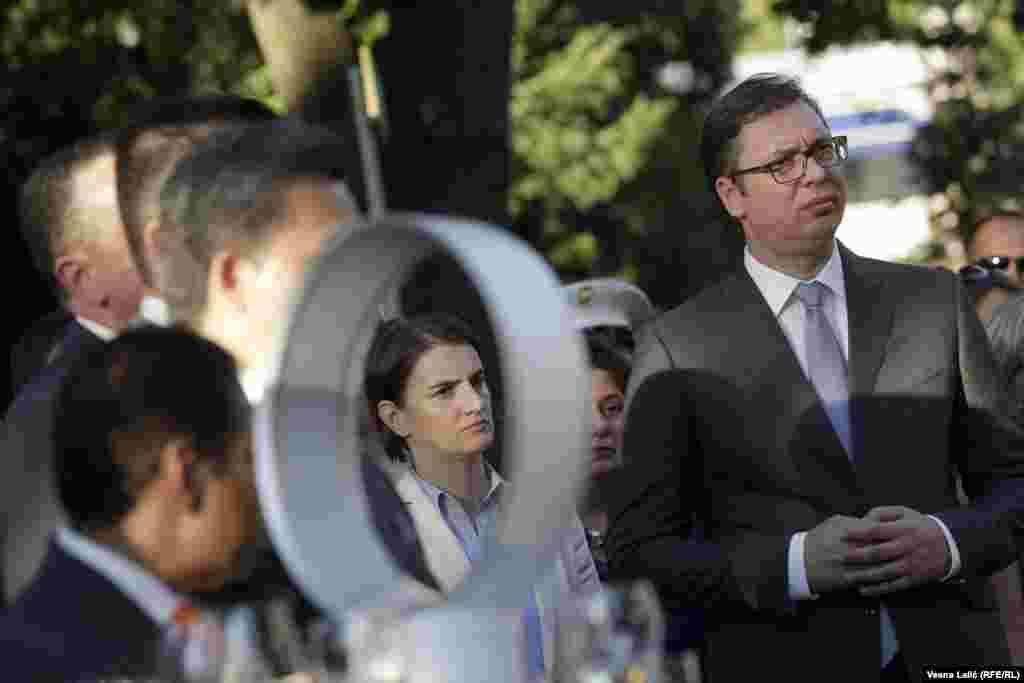 Državni vrh Srbije na prijemu u Ambasadi SAD: Premijerka Ana Brnabić i predsednik Aleksandar Vučić