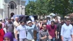 Чет элдик жаран Бишкекте жерге берилди