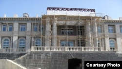 Was this palace on the Black Sea built for Vladimir Putin?