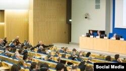 Заседание исполкома Всемирного конгресса крымских татар в здании парламента Литвы, Вильнюс