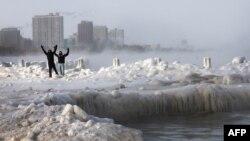 Мичиган көлүнүн жээги, Чикаго шаары. 6-январь, 2014