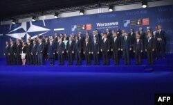 Лидеры НАТО на саммите в Варшаве. 8 июля