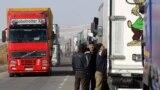 Tracks traffic jam on the Kyrgyz-Kazakh border