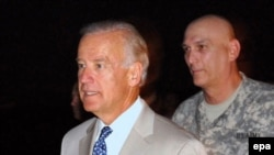 U.S. Vice President Joe Biden (left) with General Ray Odierno in Baghdad on a previous visit
