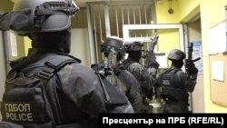 Кадър от акцията на ГДБОП на 5 октомври, разпространен от Специализираната прокуратура