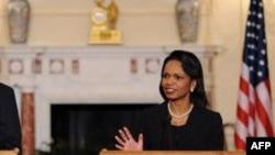 خانم رایس می گوید: بعضی وقت ها برای ایرانی ها مشکل است که برای ویزای آمریکا به دبی بروند. (عکس: AFP)