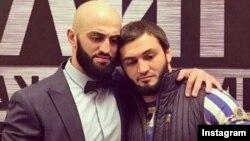 Адам Яндиев со своим братом Абубакаром