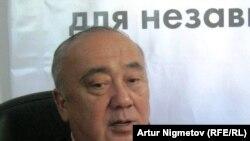 Талгат Мамашев, первый заместитель председателя Всемирного сообщества казахов, во время онлайн-конференции на радио Азаттык. Алматы, 27 апреля 2011 года.