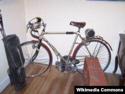 Ernestonun Argentinanı gəzdiyi motorlu velosiped. Che Muzeyi. Alta Gracia, Argentina