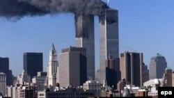 ԱՄՆ - Նյու Յորքի Առեւտրի համաշխարհային կենտրոնի զույգ երկնաքերները 2001 թվականի սեպտեմբերի 11-ին` հարձակումներից հետո