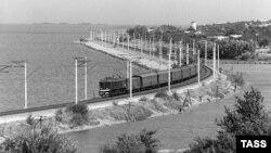 Высоковольтная линия поездов стала причиной смерти подростка