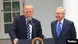 کنفرانس خبری دونالد ترامپ و رهبر اکثریت جمهوریخواه سنای آمریکا در کاخ سفید.