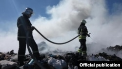 У селищі Нові Петрівці біля Києва сталася пожежа на сміттєзвалищі, 17 травня 2017 року
