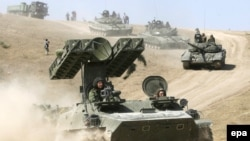 რუსეთის ჯარისკაცები და სამხედრო ტექნიკა გორის სიახლოვეს, 2008 წლის 19 აგვისტო
