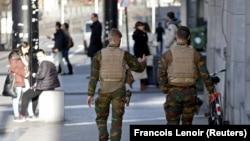 Военный патруль в центре Брюсселя (31 декабря 2015 года)