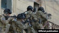 Pamje e pjesëtarëve të forcave speciale të Azerbajxhanit
