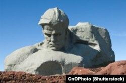 Радянський меморіал на руїнах старого Береста