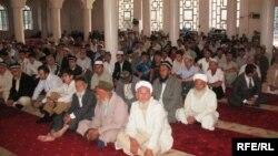В одной из мечетей в Душанбе.
