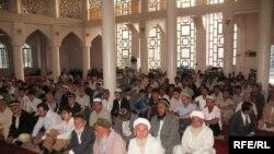 В мечети в Душанбе.