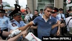 Олег Пшеничный сам не раз задерживался во время проведения акций оппозиции