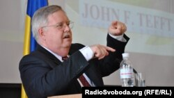 I nominuari për pozitën e ambasadorit amerikan në Moskë, John Tefft (ARKIV)