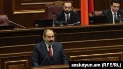 Никол Пашинян представляет программу правительства в парламенте, 12 февраля 2019 г.