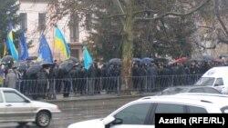Антыўрадавая дэманстрацыя крымскіх татар у Сымфэропалі, 28 студзеня 2014 году