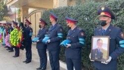 В Алматы похоронили убитых в стрельбе при попытке выселения