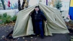 Saakahsvili gecəni etirazçılarla cadırda keçirib