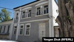 Дом №6 на площади Ластовой построен в 1926 году