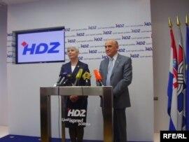Jadranka Kosor i Sulejman Tihić na konferenciji za novinare u središnjici HDZ-a u Zagrebu, 23. travnja 2010. Foto: Enis Zebić