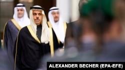 وزیر خارجه عربستان میگوید به محض اینکه حوثیها با این ابتکار موافقت کنند، آن اجرایی میشود.