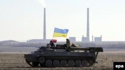 Ілюстраційне фото. Українські військовослужбовці неподалік міста Дебальцеве, Донецька область, лютий 2015 року