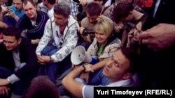 Алексей Навальный на акции протеста на Болотной площади 6 мая 2012 г.
