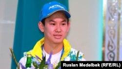 Бронзовый призер Олимпиады-2014 в Сочи Денис Тен. 15 февраля 2014 года.