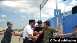 Ndërhyrja e policisë te selia e UNMIK-ut