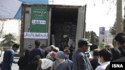 صف دریافت مرغ با قیمت دولتی در مشهد
