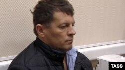 Роман Сущенко одразу після затримання ФСБ в Москві, 3 жовтня 2016 року