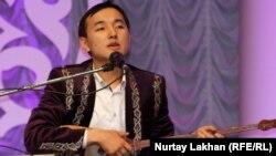 Жандарбек Бұлғақов, айтыскер ақын. Алматы, 8 мамыр 2013 жыл.