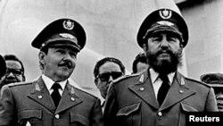 Рауль і Фідэль Кастра на сьвяткаваньні 20-годзьдзя перамогі рэвалюцыі, Гавана, 1 лютага 1979