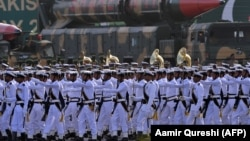 Pjesëtarë të ushtrisë pakistaneze.