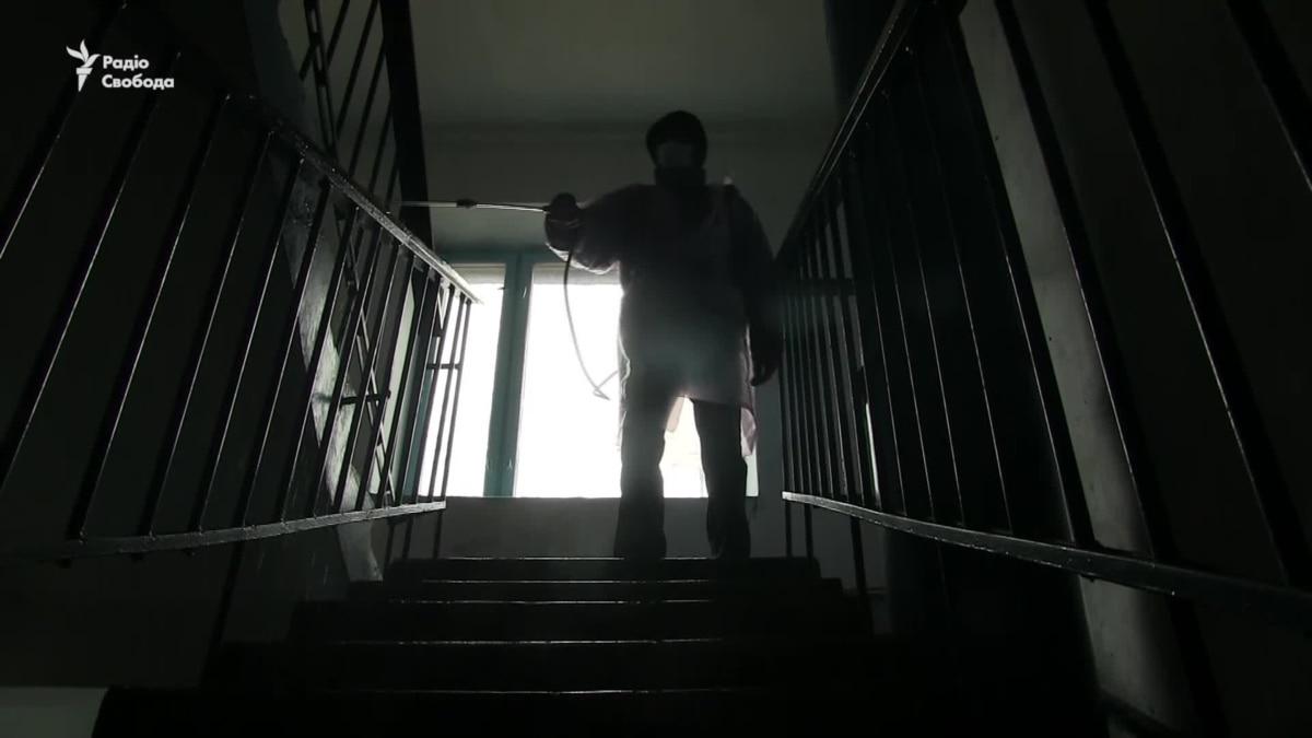 На Донетчине дезинфицируют дома – видео