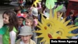 Beograd, deca na gradskim ulicama u povodu obeležavanja Dana planete Zemlje