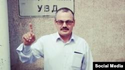 Рәфис Кашапов полиция бинасы янында