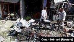 Руйнування неподалік від місця самогубчого нападу в Кабулі, 24 липня 2017 року